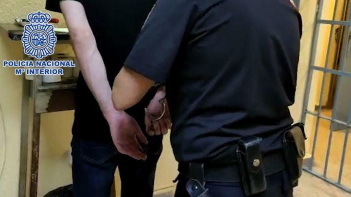 Imagen de la detención de uno de los implicados en el robo