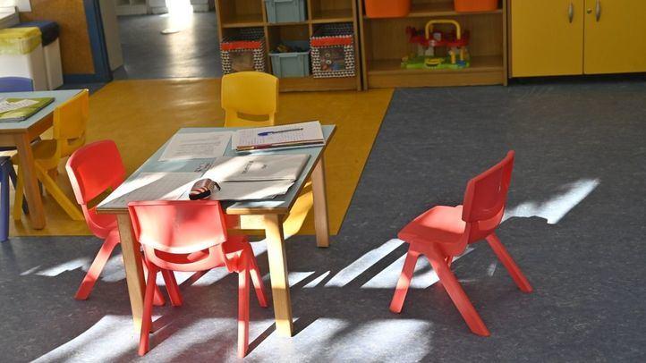 Visita de del consejero de Educación de la Comunidad de Madrid, Enrique Osorio, a un colegio