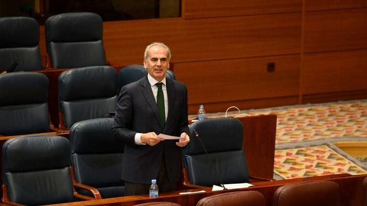 El consejero de Sanidad, Enrique Ruiz Escudero, en la Asamblea de Madrid.