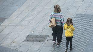 El Gobierno trabaja en una baja para padres con hijos en cuarentena con PCR negativa