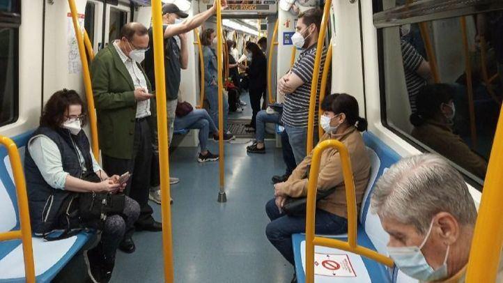 Agredidos dos vigilantes de Metro por usuarios que no querían ponerse la mascarilla