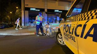 Herido un ciclista en Arganzuela que iba sin casco ni reflectantes