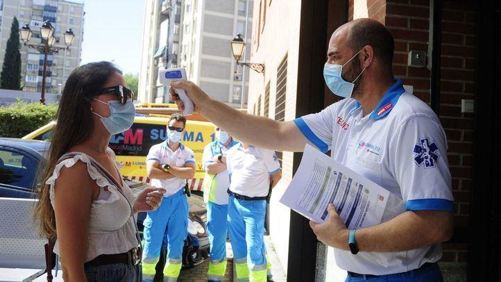 Bajan a la mitad los contagios en Madrid en las últimas 24 horas, con 560 nuevos positivos en Covid