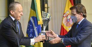 Almeida es distinguido con el galardón Fervor do Brasil por su
