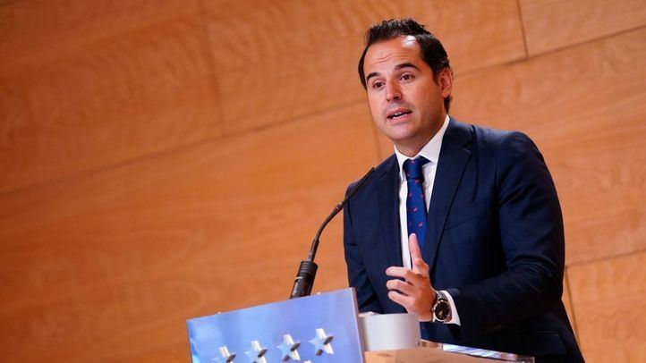 """Aguado rechaza """"perder ni un segundo más"""" hablando de la moción de censura pero pide """"altura de miras"""" al PSOE-M"""