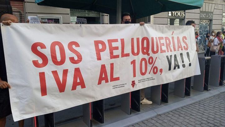 Protesta del sector de la peluquería este jueves en Madrid