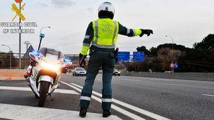 La Guardia Civil refuerza el control en la M-512 para impedir las carreras de motos