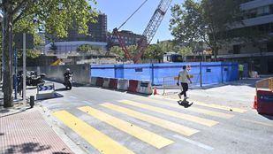 El paso peatonal habilitado bajo el viaducto de Joaquín Costa cambia de ubicación a partir de este lunes