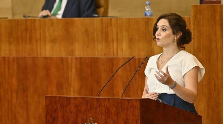 Ayuso se defiende en la Asamblea y agradece a Ciudadanos que 'no escuche' al PSOE