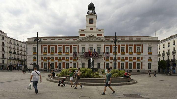 Sánchez le pide una reunión a Ayuso en Sol para abordar el avance de la pandemia en Madrid