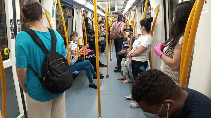 La Comunidad refuerza el transporte público y los controles de aforo ante las nuevas restricciones