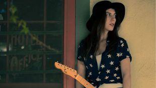Susan Santos sigue ofreciéndonos grandes canciones en su nuevo sencillo 'Somebody to love'