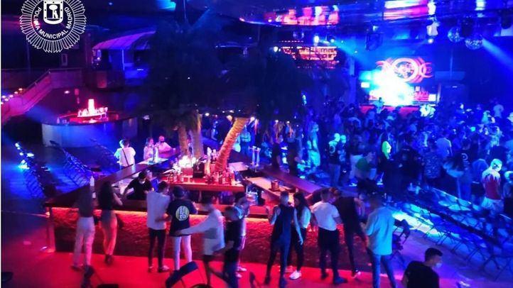 La Sala La Riviera, desalojada el pasado sábado por incumplirse las medidas durante un concierto