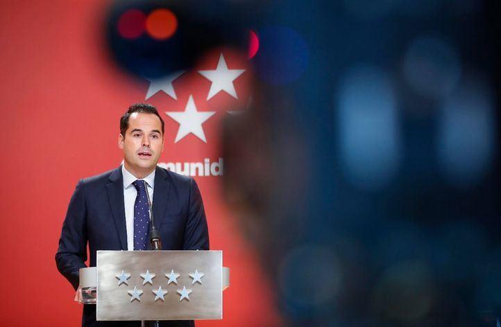 Ignacio Aguado se niega a hablar de moción de censura