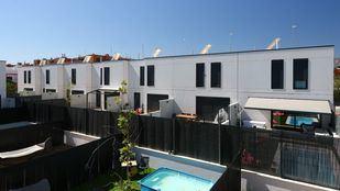 Jardines privados de las viviendas de la promoción