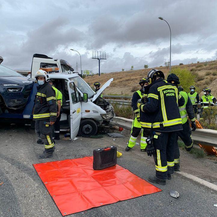 Los servicios de emergencias y los bomberos han atendido al fallecido