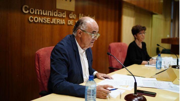 Mientras Madrid confina ocho nuevas zonas de salud...