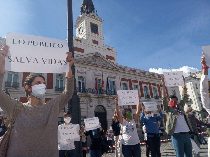 Madrid se moviliza contra las medidas 'segregadoras' del gobierno de Ayuso