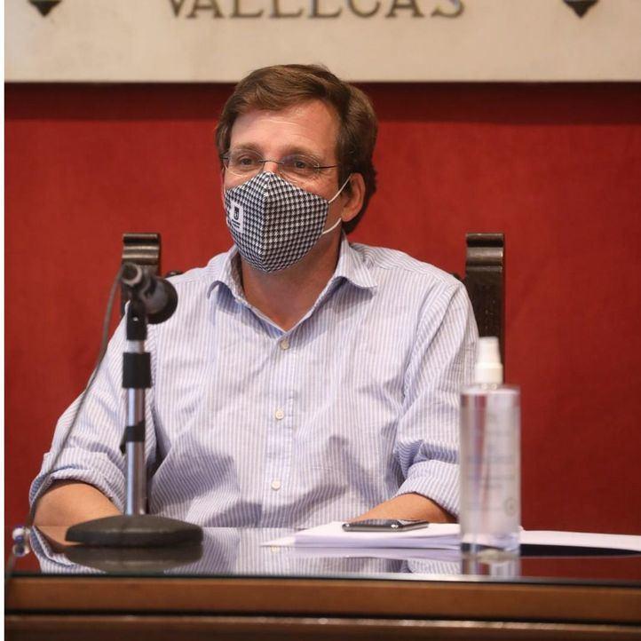 Almeida cree un 'error' intervenir Madrid y defiende que 'por ahora los datos avalan' las restricciones