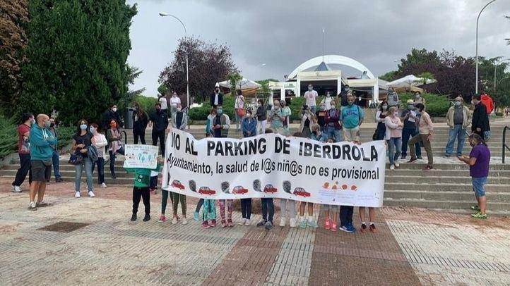 Manifestación en contra del parking cedido a Iberdrola en Hortaleza.