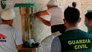 La Guardia Civil recupera un torreón de alabastro del siglo XV perdido en la catedral de Alcalá en 1936
