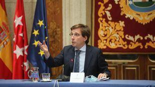 Almeida acusa al Gobierno de fijar criterios ad hoc y no uniformes para cerrar Madrid