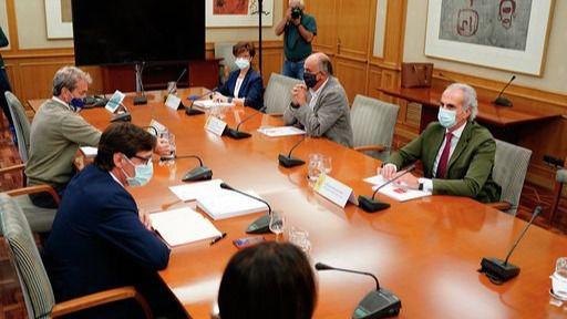 Reunión entre los responsables de Sanidad del Gobierno central y la Comunidad de Madrid.