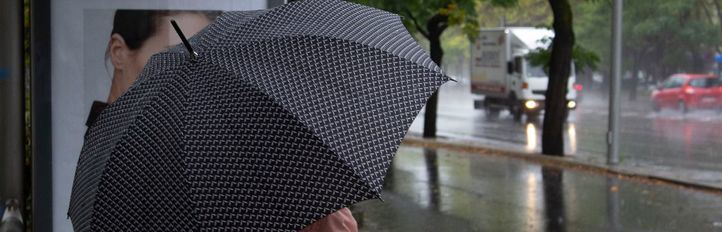 Más de 130 intervenciones de Bomberos esta mañana por el viento y la lluvia