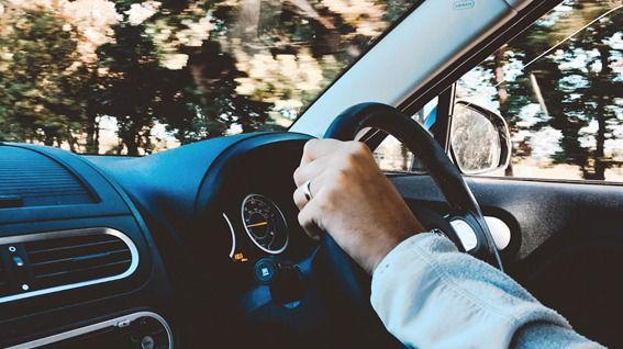 No son los mejores tiempos para comprarse un coche y los datos de ventas de coches así lo atesoran