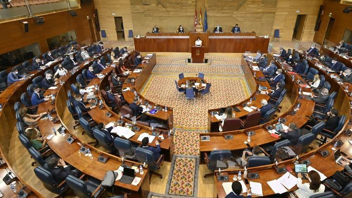La oposición en la Asamblea regional celebra la marcha de Reyero