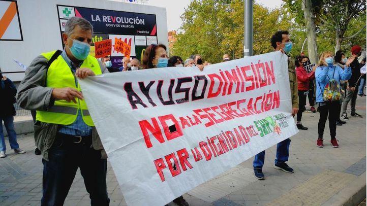 Concentración a las puertas de la Asamblea de Madrid en defensa de la Sanidad pública