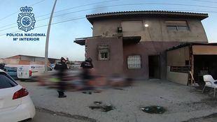 La Policía desmantela en la Cañada Real el mayor punto de venta de droga en la región