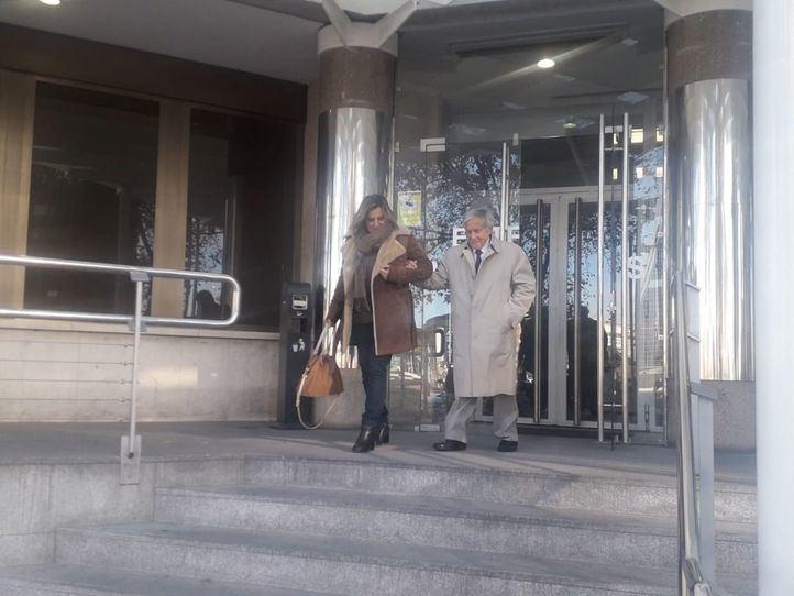 Un juez ordena el desalojo de la joven que okupó la casa de su abuelo