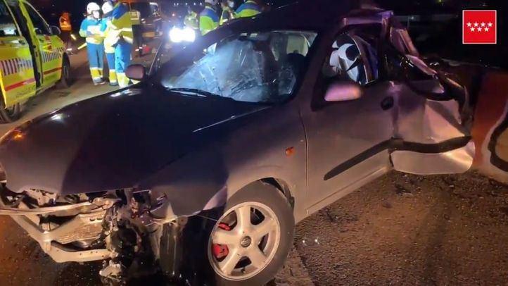 Un accidente entre un coche y un camión deja un fallecido y cuatro heridos en Getafe