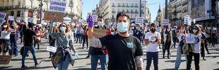 La Enfermería se concentra en Sol al grito de 'Menos banderas, más enfermeras'
