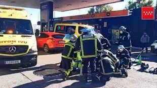 Muere arrollado por un coche mientras trabajaba en una arqueta de una gasolinera en Parla