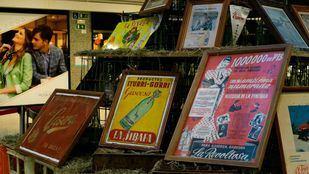 La historia de la gaseosa y el sifón en España a través de 1.000 botellas y envases