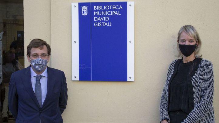 El periodista David Gistau da nombre desde hoy a una biblioteca del distrito de Salamanca