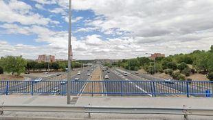 Puente sobre la A-3 en la calle Fuente Carrantona