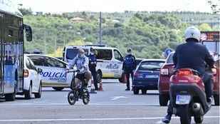 Control policial para evitar las salidas no excepcionales de Madrid