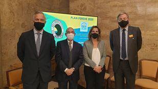 La cadena de reciclaje de envases de vidrio en España presenta a la vicepresidenta Teresa Ribera sus compromisos para 2025