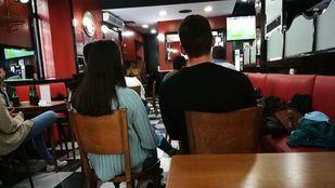 El Clásico hace que en los bares se incumplan los aforos en Madrid