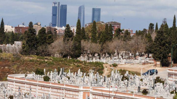 Cementerios blindados ante la Covid con aforos al 50% y horarios ampliados