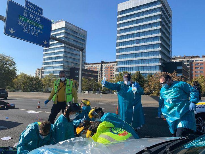Muere un motorista de 40 años en un choque contra un turismo en la M-30