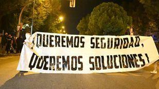 Manifestación en San Blas en contra de los menas