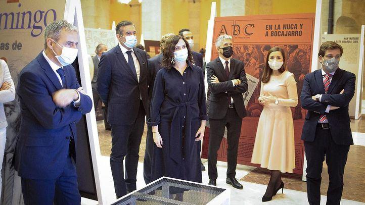 Ayuso inaugura en Sol la muestra 'El terror a portada. 60 años de terrorismo en España a través de la prensa'