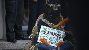 Extintion Rebellion bloquea entrada del Ministerio de Agricultura para exigir que se proteja la biodiversidad