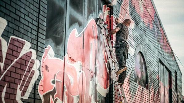 De las calles al arte comercial, ¿por qué los grafitis pueden hacer destacar tu negocio?