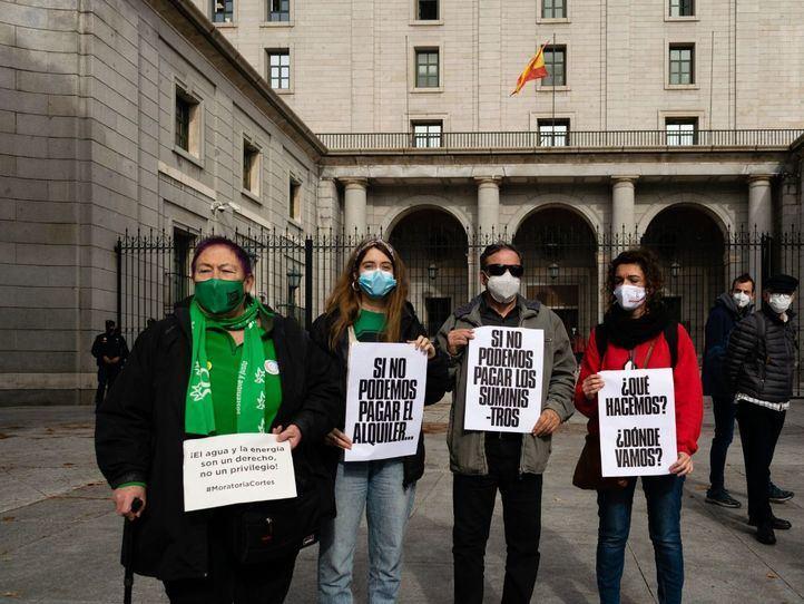 Organizaciones sociales exigen una prórroga de la moratoria en los cortes de suministros