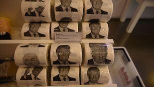 Llaveros y papel higiénico con la cara de Trump: la peculiar tienda de Tirso de Molina